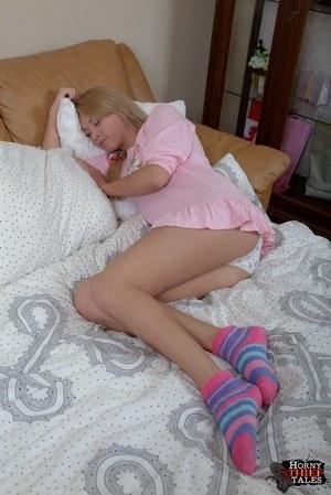 Русскую девушку накормили спермой из двух концов